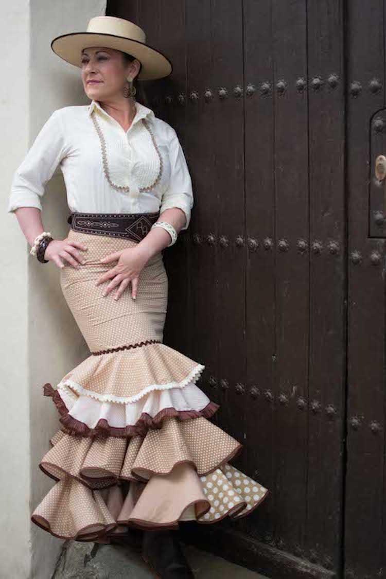 zapatos deportivos c688b 63da6 Faldas flamencas economincas Isabel Hernandez